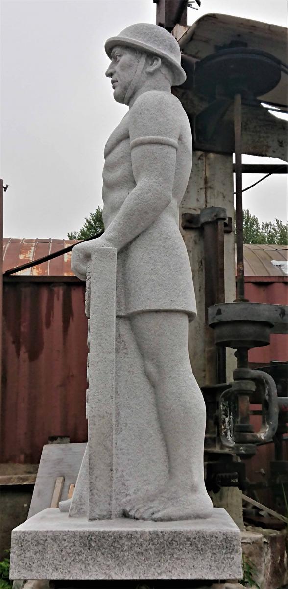 Värska Vabadussõja monumendi sõduri figuur (R.Haavamäe 1939.a. skulptuuri fotode alusel) 2020, graniit, h=2,2 m, Värska<br/> The figure of a soldier of Värska Monument for the  War of Independance (based on photos of the sculptor R.Haavamägi , 1939) granit, h=2,2 m, Värska, Estonia