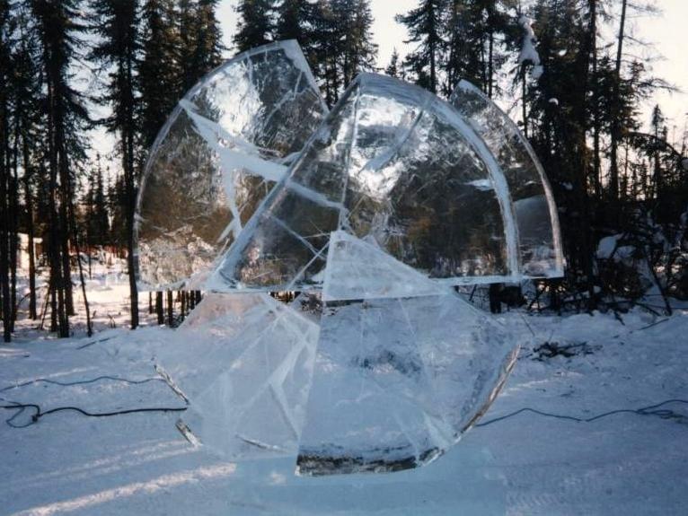 """""""JÄÄTUNUD AEG"""" 1998 h= 2,5 m Fairbanks, Alaska, USA  """"FROZEN TIME"""" 1998 h= 2,5 m Fairbanks, Alaska, USA"""