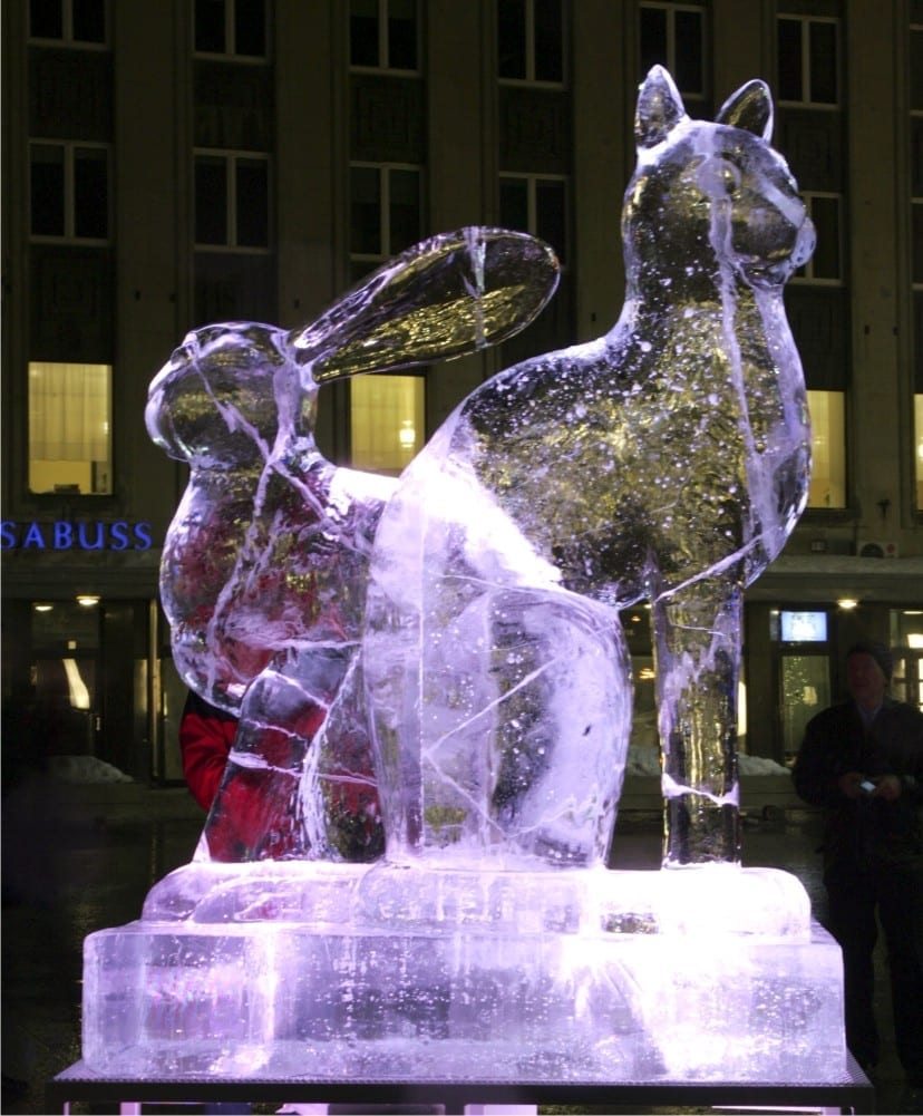 """JÄNES/KASS"" 2011 h= 2,5 m Tallinn, Eesti  <br/>""RABBIT/CAT"" 2011 h= 2,5 m Tallinn, Estonia"