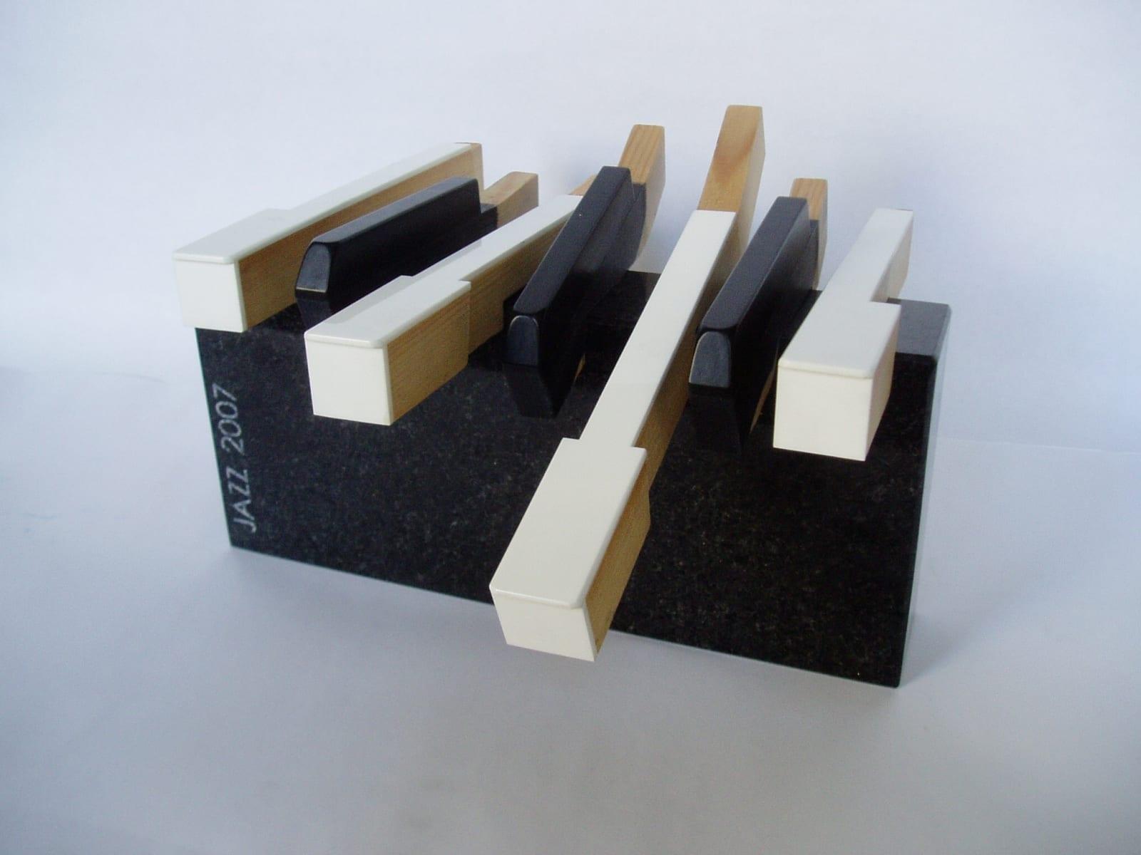 NOORE JAZZITALENDI AUHIND 2007 graniit, klaveriklahvid  <br/>An award to the YOUNG JAZZTALENT 2007 granit, piano keys