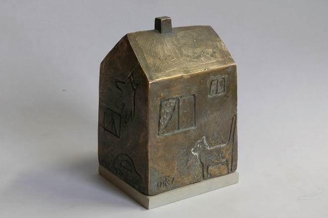 KIILI VALLA kingitus lasteaia ehitajatele 2007 pronks, paekivi  <br/>A gift of Kiili county for the builders of local kindergarden 2007 bronze, limestone