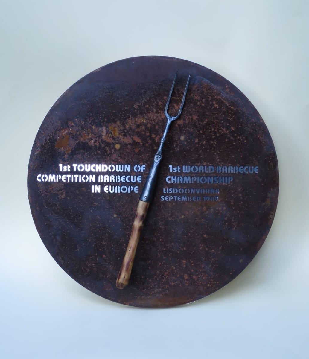 BARBEQUE maailmameistrivõistluste seinaplaat 2017 metall, puit - Iirimaa  <br/>A tablet of Barbeque World Championship 2017 metal, wood - Ireland