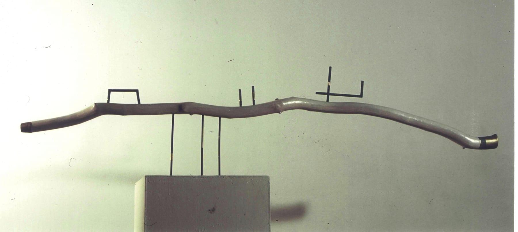 """KULG"" 1992 puu, pronks  <br/>""COURSE"" 1992 wood, bronze"