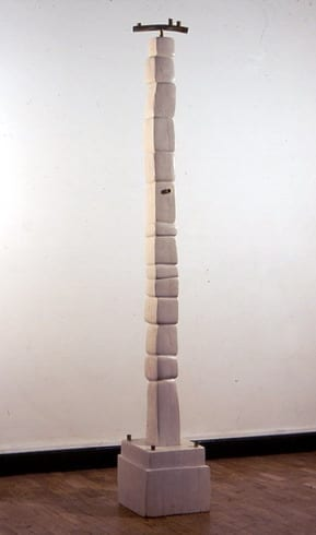 """LÄBI ELUDE"" 1993 h= 1,7 m puu, metall  <br/>""THROUGH the LIVES"" 1993 h= 1,7 m wood, metal"