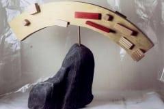 """KULDNE VIKERKAAR"" 1993 kivi, puu  <br/>""GOLDEN RAINBOW"" 1993 stone, wood"