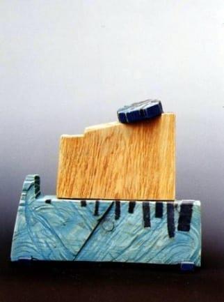 """""""NIMETU XVII"""" 1997 puu, liivapaber<br/> """"NAMELESS XVII 1997 wood, sandpaper"""