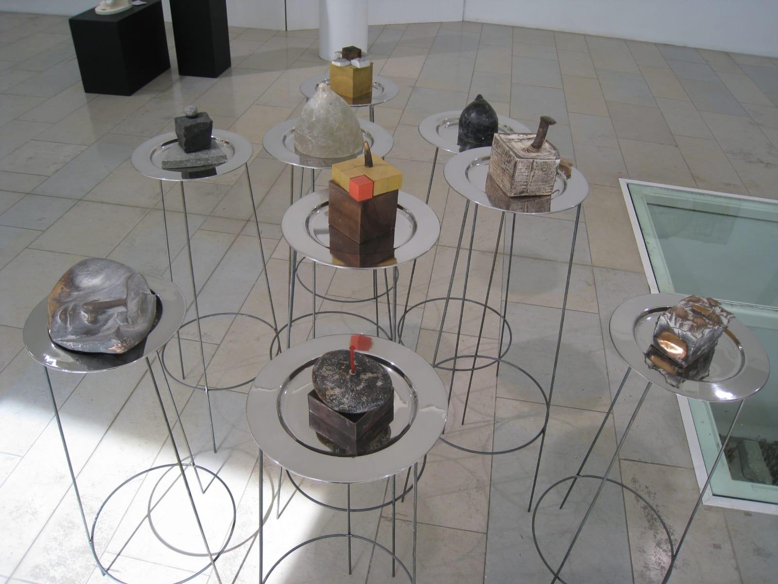 """""""VÄIKESTE ASJADE MAAILM"""" 2008 installatsioon: metall,pronks,puu,klaas jm <br/>""""The WORLD of LITTLE THINGS"""" 2008 installation: metal,bronze,wood,glass etc"""