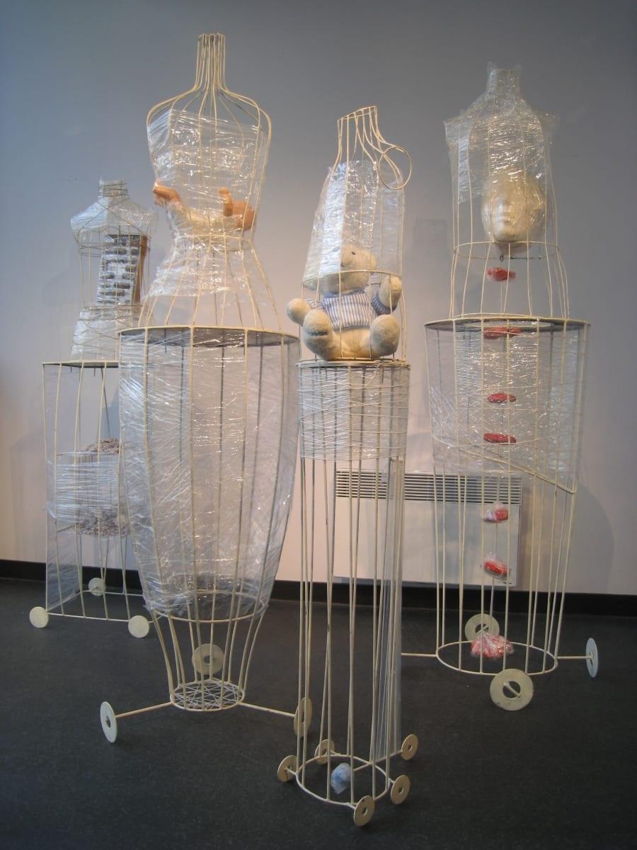 """Installatsioon """"HINGEMAA"""" 2009 metall,kile,mänguasjad, puu jm  <br/>""""SOUL of LIFE"""" 2009 metal, plastic,toys,wood etc"""