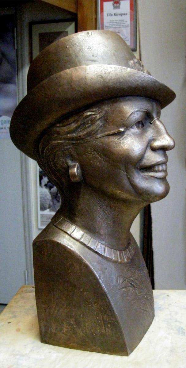 """""""Pr.CRISTINA"""" 2012 pronks<br/> """"Mrs.CRISTINA"""" 2012 bronze"""
