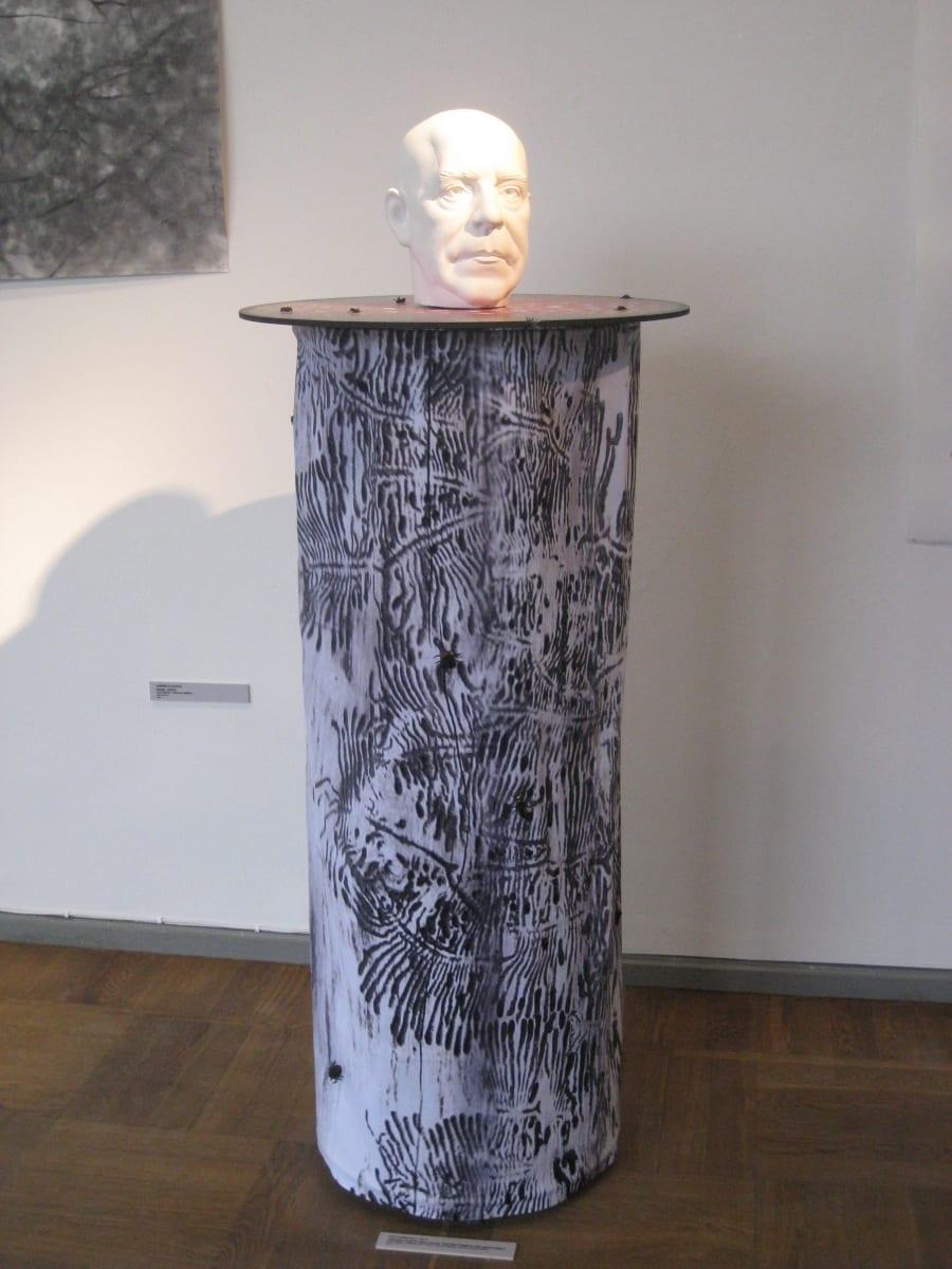 """""""MAA ja ILM: PEETER LAURITS"""" 2013 elusuuruses kineetiline installatsioon: kips,metall,tekstiil,plastikust putukad,foto,puit,metall,mootor jm<br/> """"THE WORLD of PEETER LAURITS"""" 2013 lifesize, cinetic figurative installation: plaster,wood,textile,metal,plastic insects,photo"""