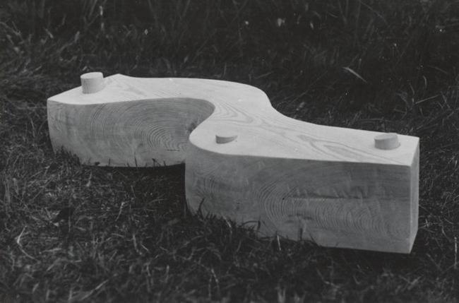 """""""KULG"""" 1992  puu - puuskulptuuri sümpoosion Võru-Kiidi, Eesti <br/> """"COURSE"""" 1992 wood - wood carving symposium in Võru-Kiidi, Estonia"""