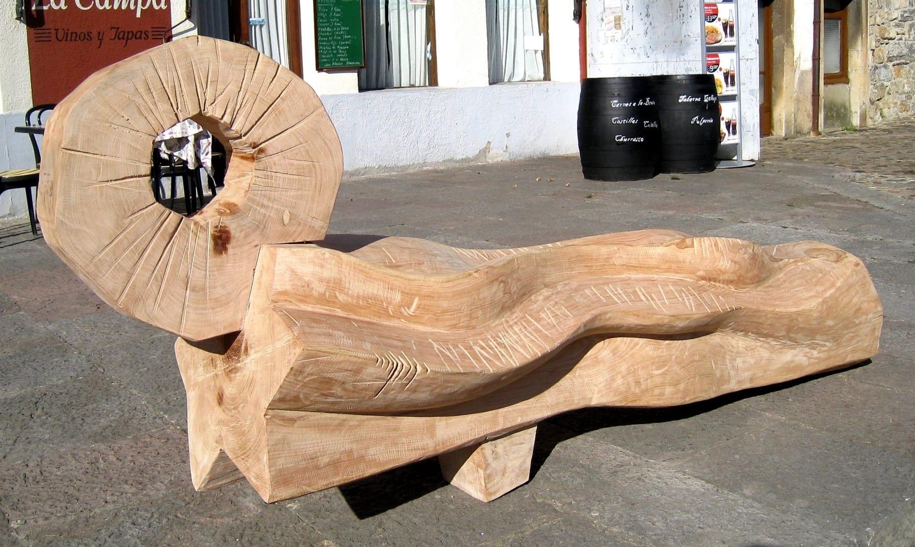 """""""RITUAAL"""" 2009 puu - rahvusvaheline puuskulptuuri sümpoosion Salas, Hispaania<br/> """"RITUAL"""" 2009 wood - an international woodcarving symposium in Salas, Spain"""