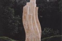 """""""LIIKUVAD VORMID"""" 2002 puu - puuskulptuuri sümpoosion Wales, Suurbritannia<br/> """"MOVING FORMS"""" 2002  wood - wood carving symposium in Wales, Great Britain"""