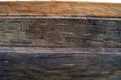 """KANAL"" (detail) 2010 puu p= 3,6 m - rahvusvaheline kohaspetsiifiline skulptuurisümpoosion Ellesmere, Suurbritannia<br/>  ""CANAL"" (detail) 2010 wood - l= 3,6 m - an international site-specific sculpture symposium in Ellesmere, Great Britain"
