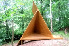 """Triskele"" 2019  maakunsti sümpoosion ""La fet de May"", Belgia  (koos K.Tiismaga)<br/>""Triskele"" 2019 land-art symposium ""La fet de May"" Belgium (with K.Tiisma)"
